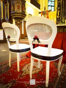 dekoracja-krzesel-na-slub
